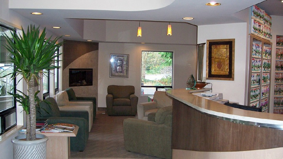 Front entry desk and waiting room for Brookside Dental