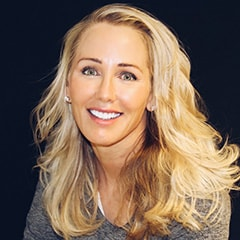 Dr. Cynthia Pauley, a top dentist in Bellevue with years of experience and education.
